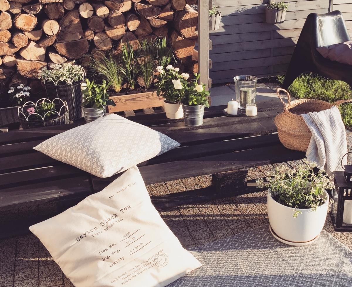 Top 5 najmodniejszych mebli ogrodowych - wybieramy meble na balkon i taras